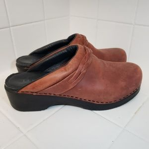 L.L. Bean Shoes - LL Bean Brown Leather Clogs Womens Size 9 Mules